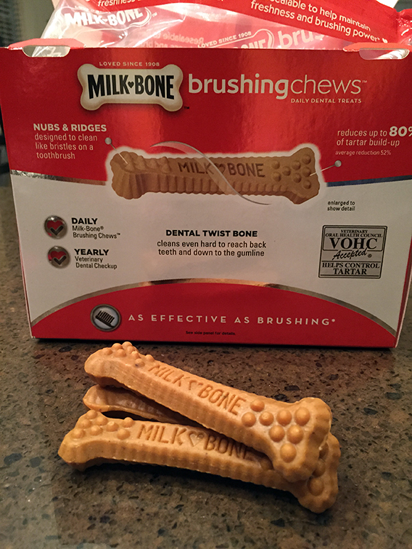 MilkBone-BrushingChews-BoxBack