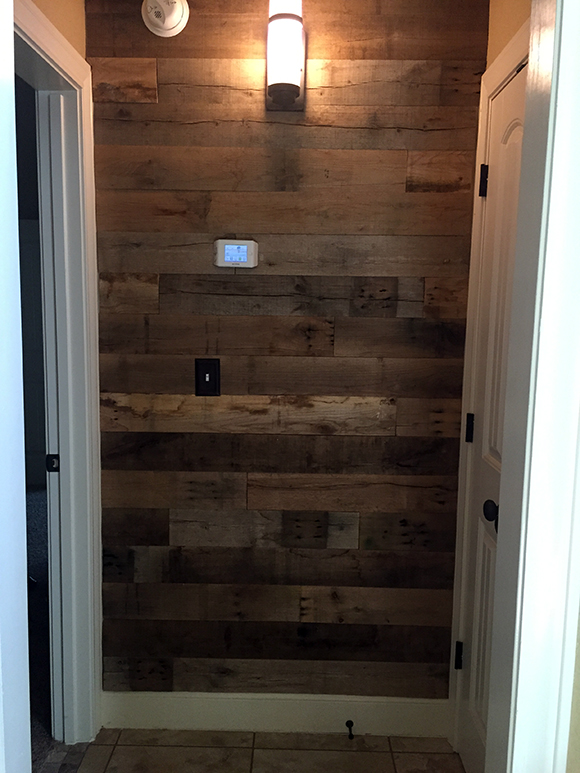 Reclaimed-Wood-Wall-Finished