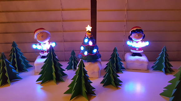 CharlieBrownLights-LitUp-Table