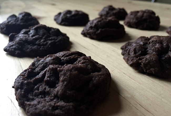 Chocolate-Cookies-Featured
