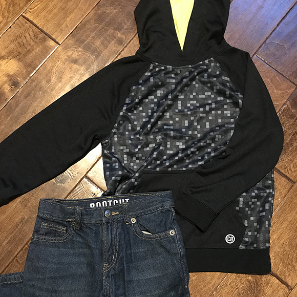 Outfit_BlackHoodie-Blog-Crazy8